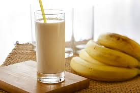 How-to-Make-Banana-Honey-Milkshake