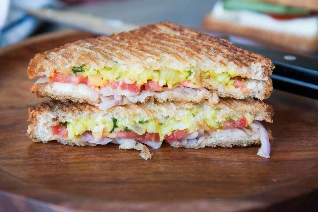 How-to-Make-Cheese-Potato-Sandwich.